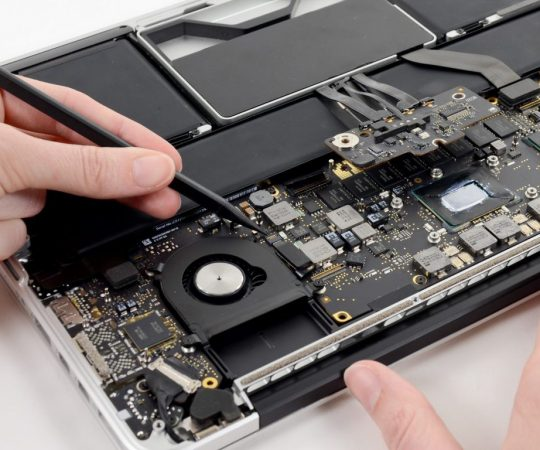 Things to Consider Before Getting an Apple Watch Battery Replacement
