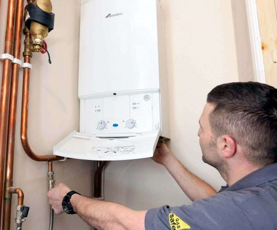 Benefits of Hiring an Emergency Plumber