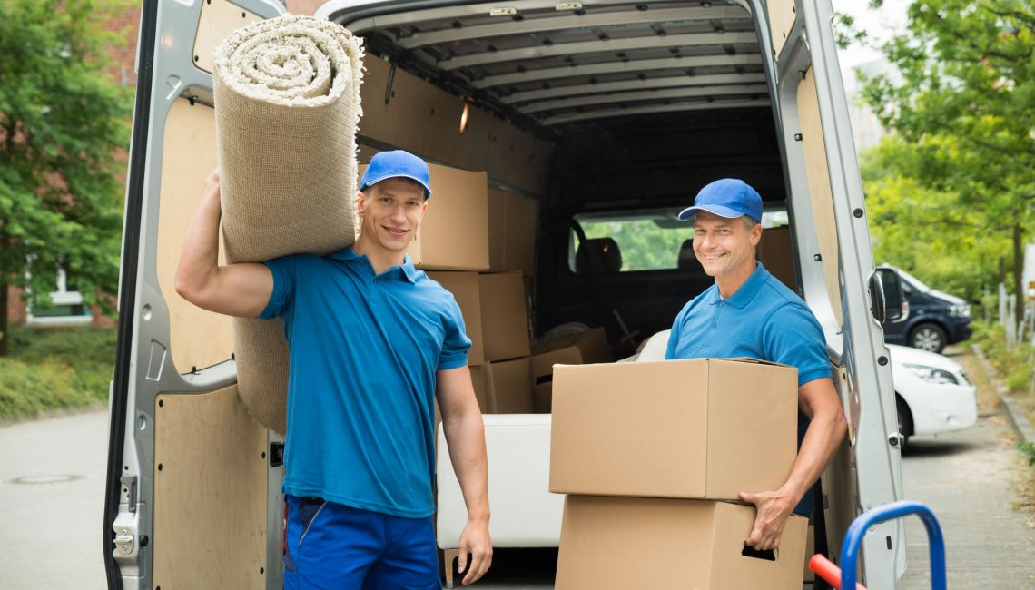 Packing And Moving By Yourself Vs. Hiring The Experts