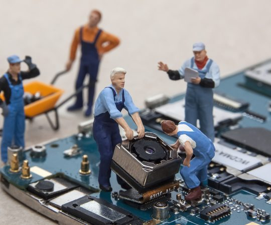 Why You Should Never Go For Cheap Mobile Phone Repair