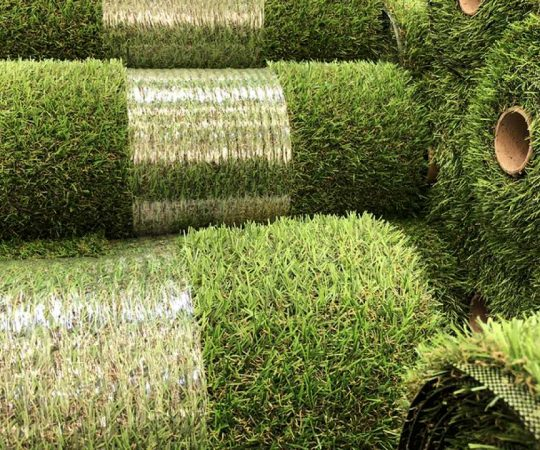 Want to Go For Artificial Grass? Here Are The Things You Should Avoid