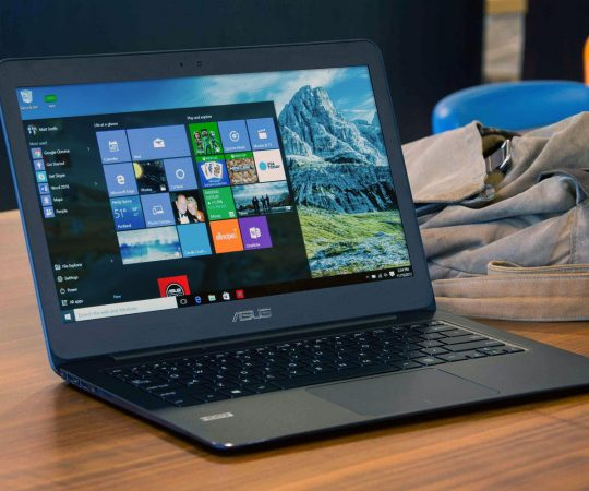 3 Reasons Why Every Teacher Needs a Laptop in The Classroom