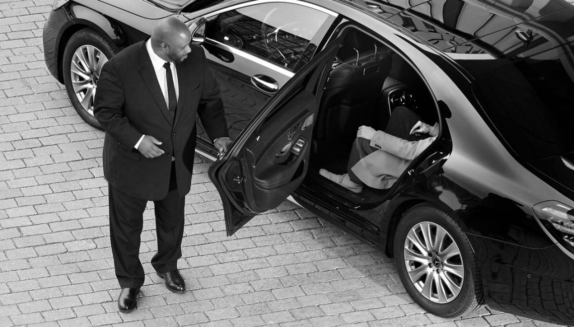 How to Save Money on a Limo Rental
