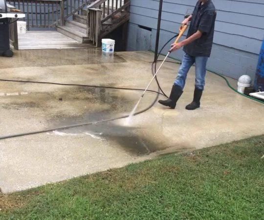 Follow These Safety Tips When Pressure Washing