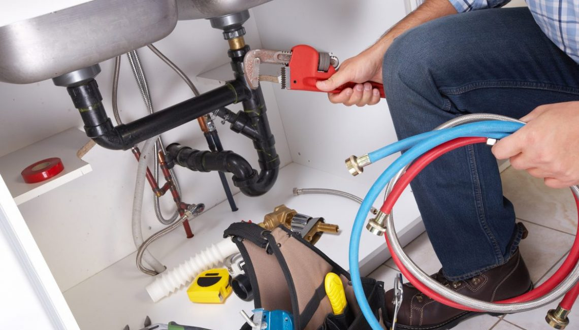 Tips to Focus on When Hiring a Plumber