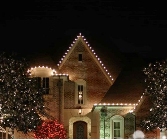 Want to Get Christmas Lights Installed? Here is What You Should Do