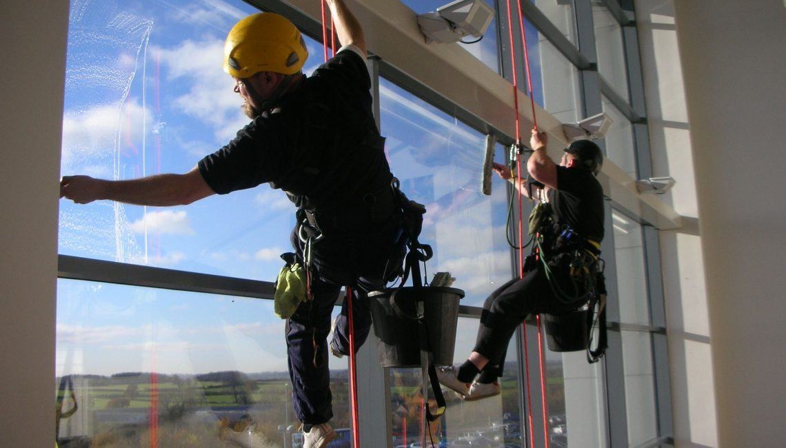 Window Cleaning Mistakes You Should Avoid